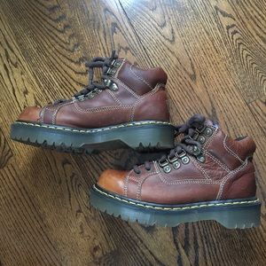 VINTAGE DR MARTENS HIKING STYLE BOOTS - 9349